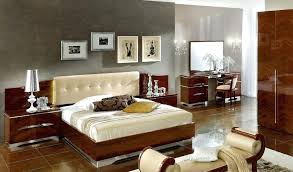 Bedroom Furniture On Line Modern Italian Furniture Bed Designs In Wood Bed Furniture High