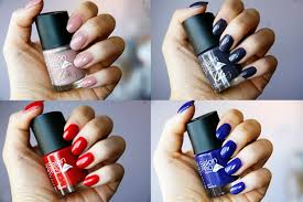 pro nails beautify themselves with sweet nails