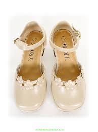Flower Girls Dress Shoes - shoes 40 off beige floral accented shoes flower