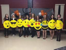 emoji costume best 25 emoji costume ideas on emoji