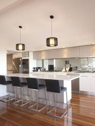 kitchen mirror backsplash best 25 mirror splashback ideas on kitchen mirror