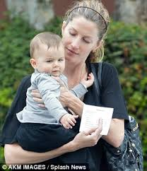 Gisele Bundchen Talks Pregnancy And Breastfeeding Gisele Bundchen Says There U0027should Be Breastfeeding Law U0027 For 6