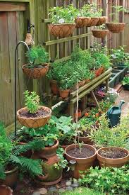 40 smart space savvy garden ideas natureaxis