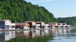 Floating Houses Experience The Ultimate Lake Life In Floating Houses In Kentucky