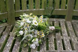 wedding flowers on a budget uk east midlands budget wedding flowers the budget company