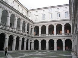 cortile palazzo farnese scopri roma