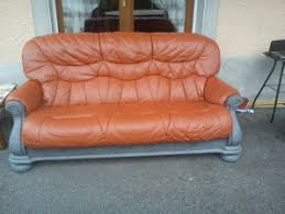 repeindre canapé peinture pour canape en cuir peindre le canap teindre un fauteuil