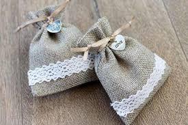easy wedding favors easy burlap wedding favor bags allfreediyweddings