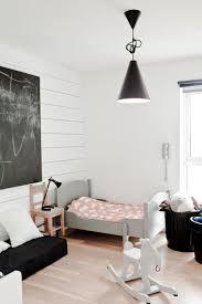 parquet de chambre d du parquet aux couleurs douces dans une chambre d enfant
