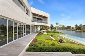 coral gables luxury homes extraordinary spec home in coral gables with u0027floating u0027 master