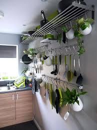 des idees pour la cuisine 18 idées pour gagner des rangements supplémentaires dans la cuisine