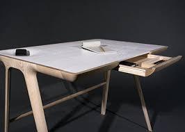 bureau en bois design charmant bureau contemporain design desk