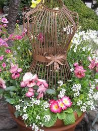 most amazing vintage garden decorations