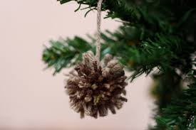 ink adventure diy yarn pompom ornaments