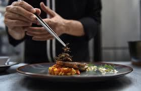 insectes dans la cuisine en thaïlande les insectes s attaquent à la haute cuisine