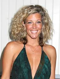 gh soap hair styles see general hospital star laura wright s hottest hairstyles abc