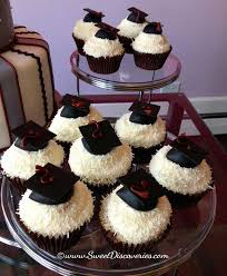 graduation cupcake ideas graduation cupcakes sweet discoveries