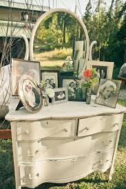 Vintage Backyard Wedding Ideas by Best 25 Vintage Furniture Wedding Ideas On Pinterest Wedding