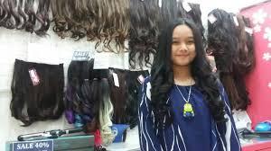 hair clip rambut til trendi dengan rambut tebal mengembang menggunakan hairclip