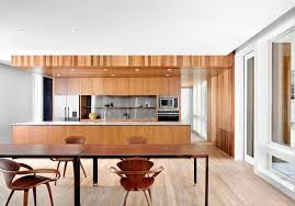 repeindre cuisine en bois repeindre des meubles en bois excellent voici une photo pour se
