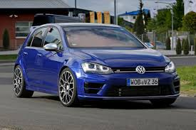 volkswagen hatchback 2016 volkswagen golf r400 set for 2016 release carbuyer