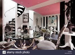 Esszimmer Teppich Rosa Decke Esszimmer Mit Tisch Und Stühlen Von Mark Brazier Jones