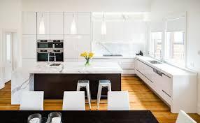 cuisine marbre blanc attrayant ilot cuisine table a manger 13 dosseret de cuisine