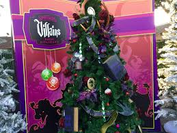 Christmas Tree Toppers Disney by Disney Springs Christmas Tree Trail Adds Character To A Holiday