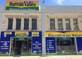 magasins bureau vall bureau vallée ouvre à malte et démarre sa conquête des pays anglophones