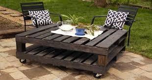 canapé en palette de bois faire un salon de jardin en palette deco cool