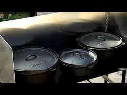 lodge dutch oven table dutch oven cooking table texas style cuisine youtube