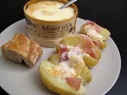 cuisiner le mont d or raclette au mont d or pour 2 la vie grande épicerie