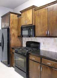 where to place knobs on kitchen cabinets installing kitchen cabinet hardware handmade haven