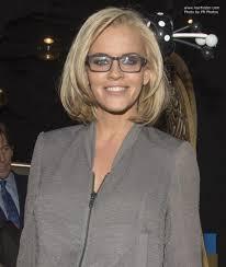jenny mccarthy view dark hair jenny mccarthy long layered bob hairstyle and black framed glasses