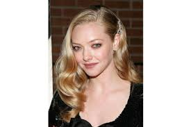 front view of side swept hairstyles amanda seyfried 13 best side swept celebrity hairstyles page 2