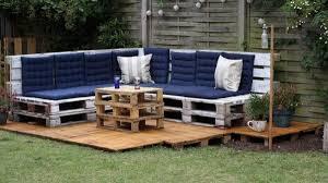 canapé de jardin en palette salon de jardin en palette 21 idées à découvrir