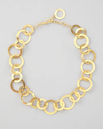 herve van der straeten hammered link necklace in metallic lyst