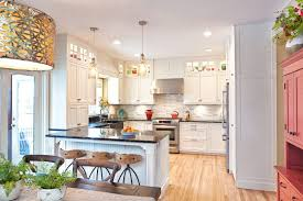what color kitchen cabinets go with hardwood floors 27 kitchens with light wood floors many wood types finishes
