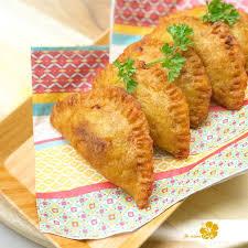 comment cuisiner les bananes plantain chaussons de banane plantain fourrés à la viande je cuisine créole