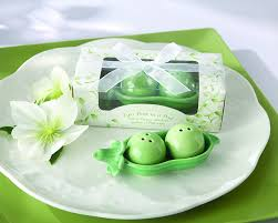 two peas in their pod amazon com kate aspen two peas in a pod ceramic salt and pepper