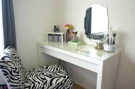 Small Makeup Desk Bedroom Corner Table Vanity Decorating Ideas Makeup Desks Corner