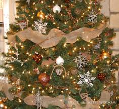 40 pretty rustic christmas tree decorating ideas for holiday home
