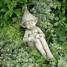 pheeberts garden ornament joe the sleeping pixie pgs010