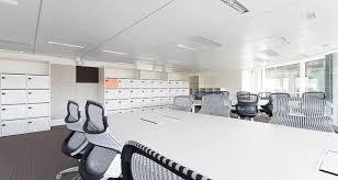 amenagement bureau conseil espace de travail collaboratif dans les locaux de deloitte à
