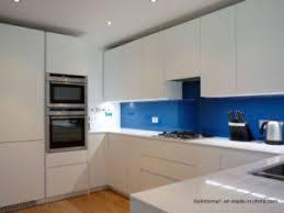 cuisine bleu clair ultra verre teinté bleu clair pour le refoulement de cuisine ultra