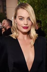 hairstyles golden globes golden globes 2018 how to get margot robbie s red carpet waves