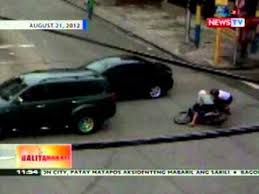beating the red light motorsiklo na beating the red light sa makati huli sa cctv video