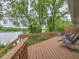 Family Vacation Rental Homes New Lakefront 4br North Liberty House Near Homeaway