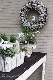 easy outside table decorations with real plants and all
