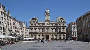 bureau de change lyon hotel de ville place des terreaux and hôtel de ville lyon s landmark